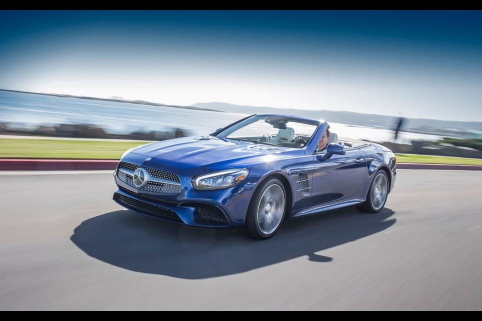 2017 Mercedes-Benz SL 550 Credit Mercedes-Benz AG