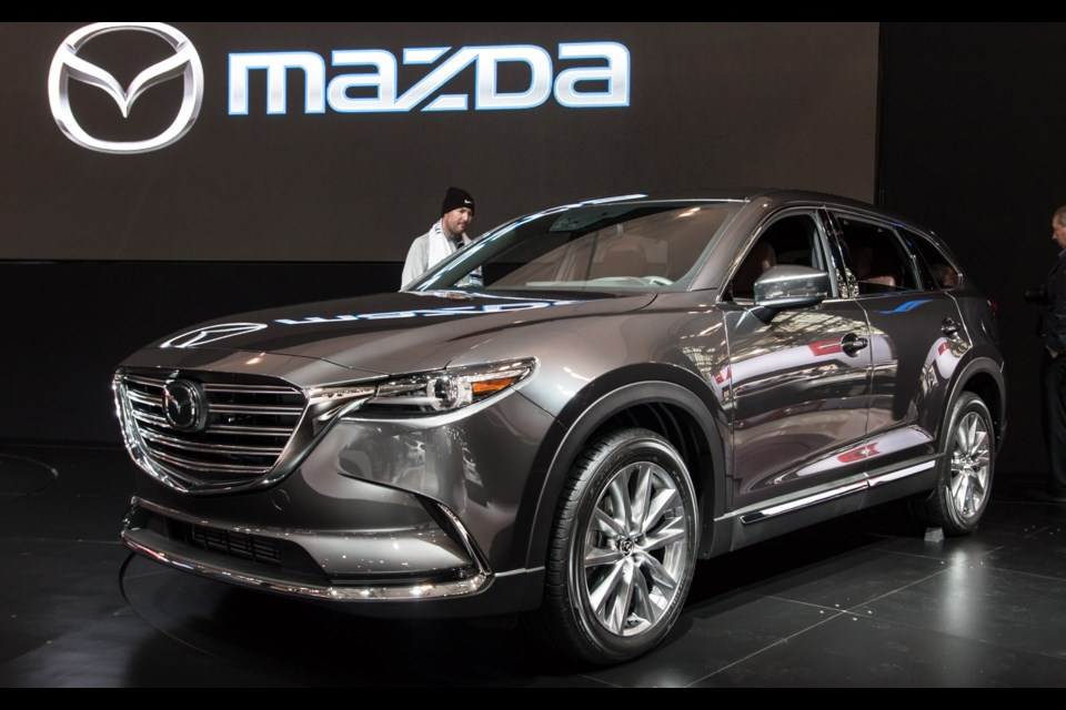 pricing announced for the 2016 mazda cx 9. Black Bedroom Furniture Sets. Home Design Ideas