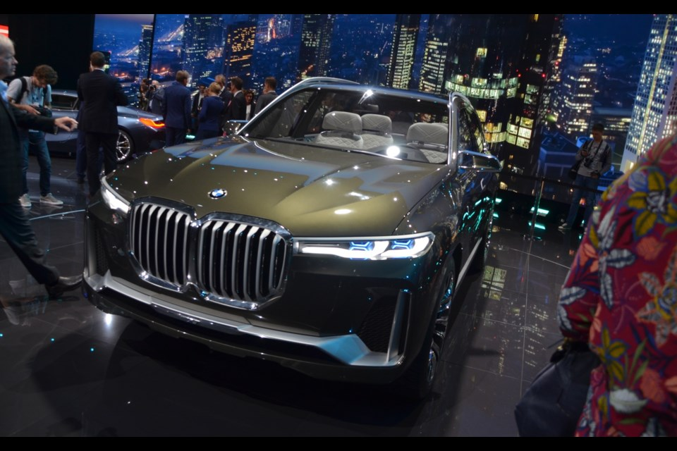 BMW X7 iPerformance Concept Credit Alain Morin