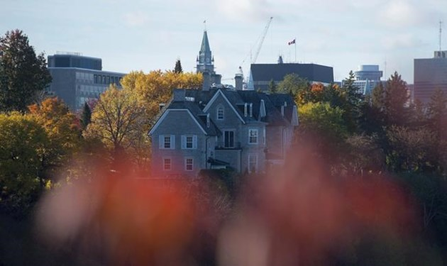 Prospect of fixing up or tearing down 24 Sussex captivates renovation expert