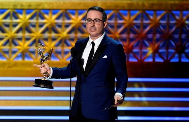 The 5 moments to remember the Emmy Awards 2017!