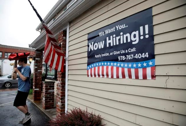 Claims for US jobless aid rise by 12000 to 272000