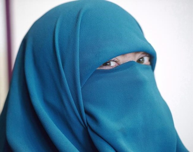 Face veil ban suspended in Canada