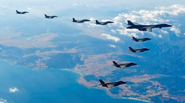 U.S.  flies supersonic heavy bomber over Korean Peninsula