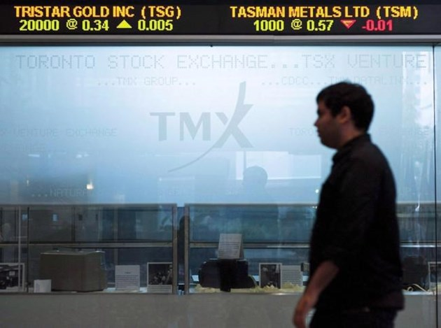 TSX slips in broad-based decline, loonie falls against United States dollar