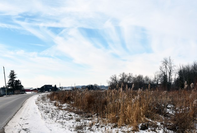 USED 2019-01-15-blue sky canal road