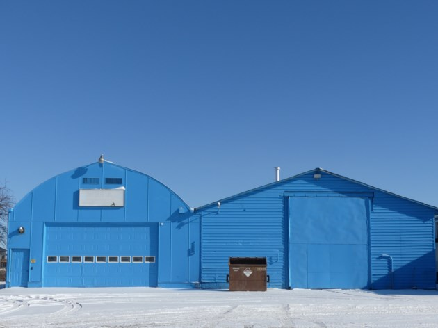 USED 2019-01-25-blue buildings blue sky