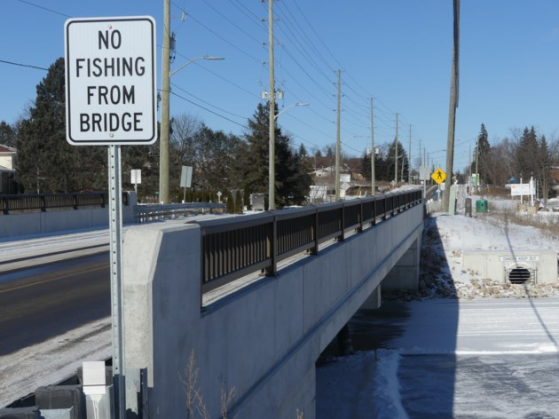 USED 2019-01-25-no fishing from bridge