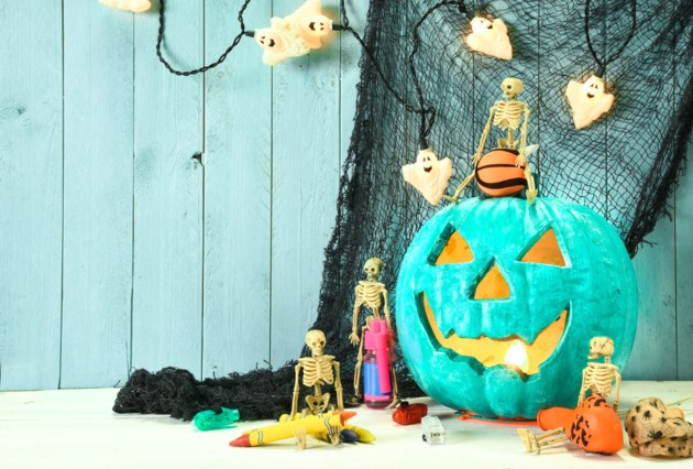 Display a teal pumpkin for kids with food allergies this Halloween