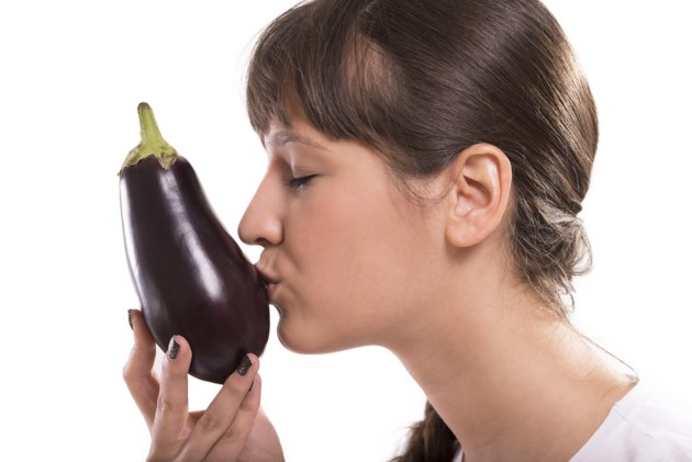 kissing eggplant