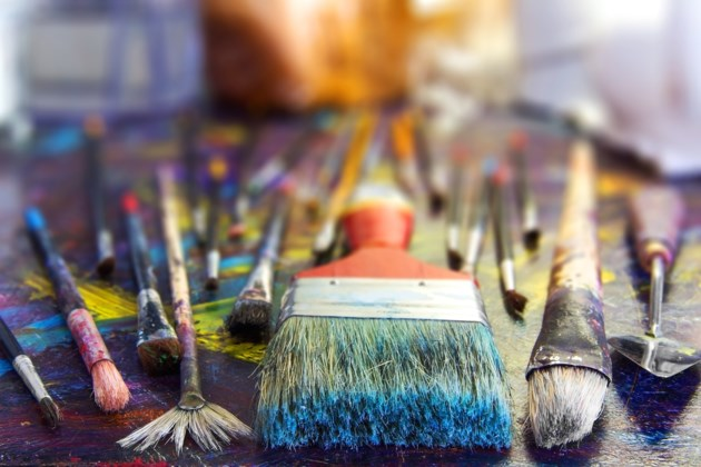 paint brushes AdobeStock_111754465