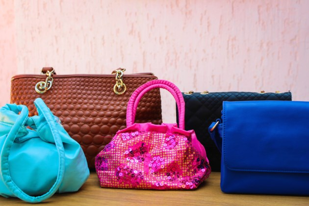 purses AdobeStock_84433275