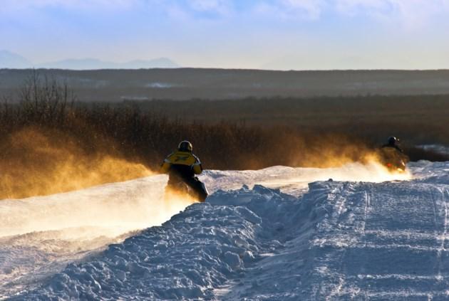 SnowmachinesLeaving
