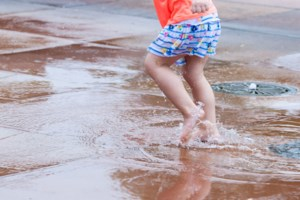 Council takes plunge with splash pad