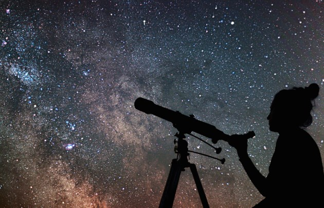 telescope AdobeStock_132077810