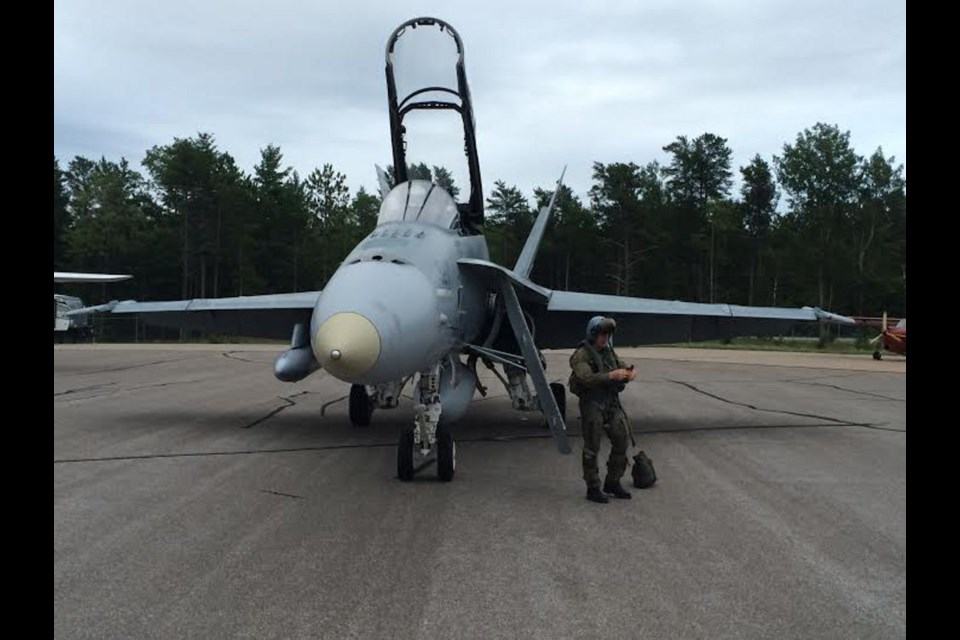 sault man lands fighter jet at sault airport public can. Black Bedroom Furniture Sets. Home Design Ideas