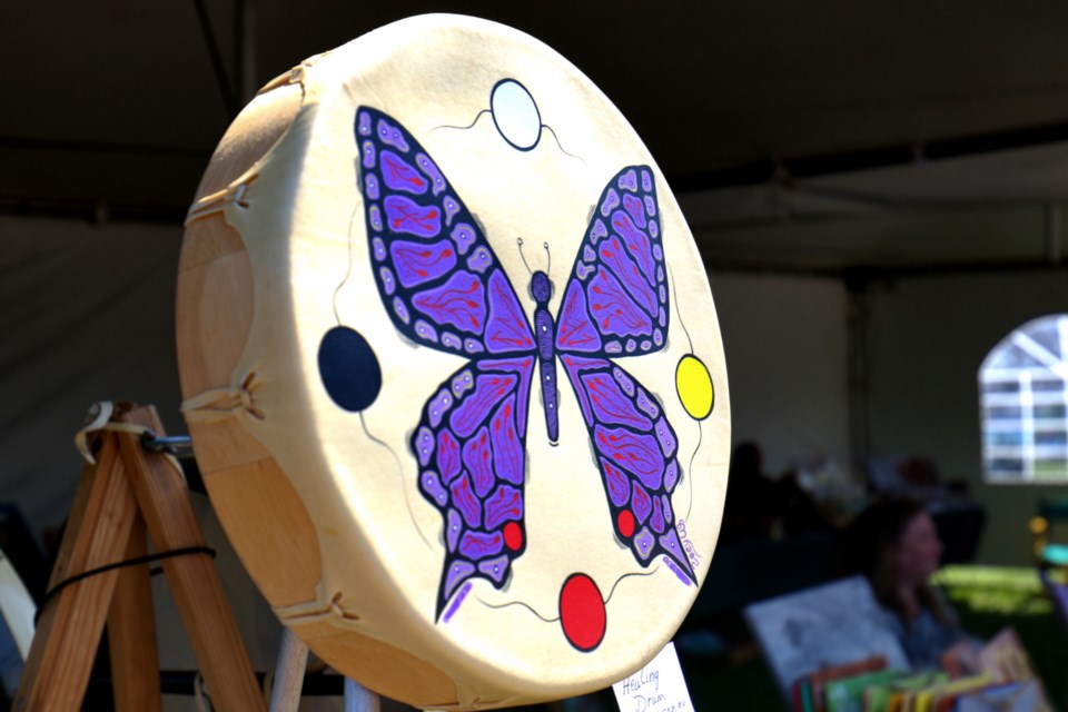 bd4360ac5dbc Zoey Wood-Salomon had her hand-painted drums on display during Art In The