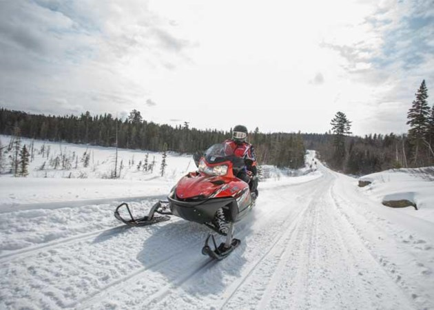 mlortz_algomatrails_snowmobile