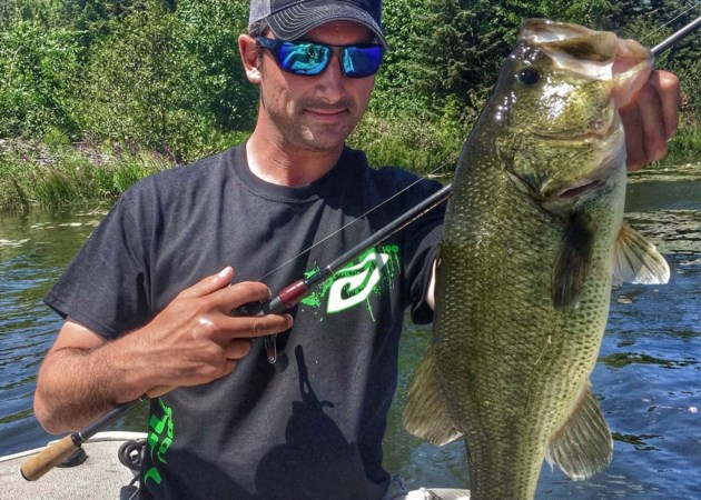 Outdoors Algoma - kking large mouth bass