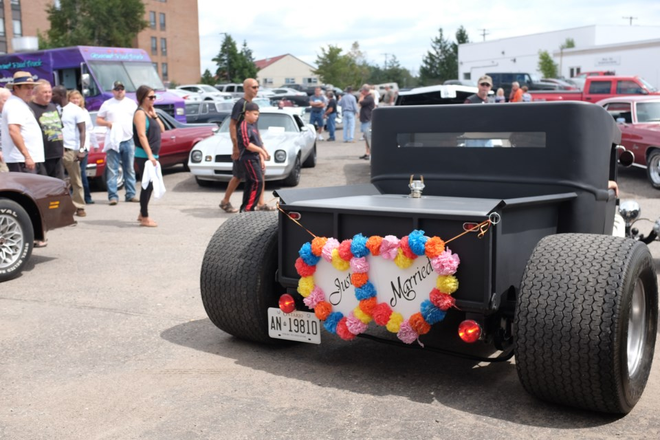 Hot Rod Newlyweds Debut Vintage Monster Amongst Other Beasts - Monster car show