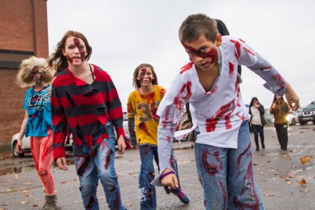 2015-10-24 Soo Zombie Walk DMH