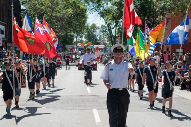 2017 - 07 - 15 - Rotaryfest Parade - Klassen-33