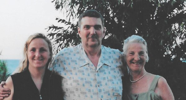 Sue McComb, at right, with her daughter Sandra Greef and Sandra's brother Bill. Photo supplied by Sandra Greef