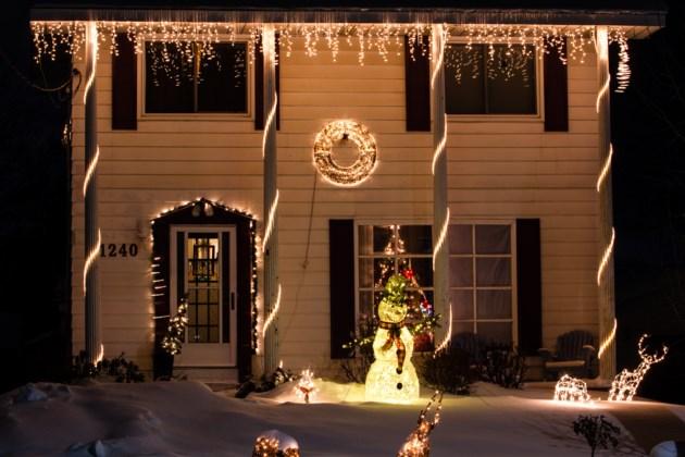 2017-12-23 Christmas lights DMH-6