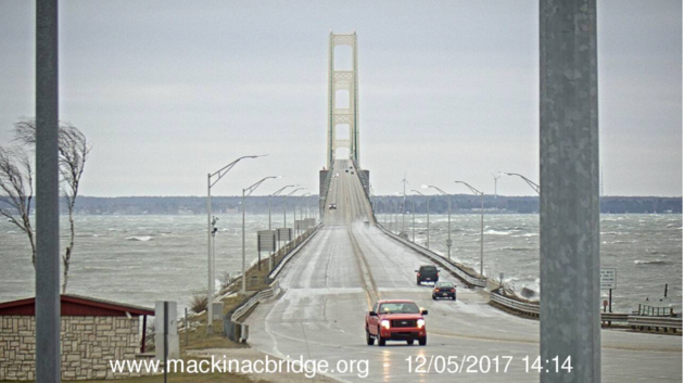 2017-12-05 Mackinca Bridge partial closure