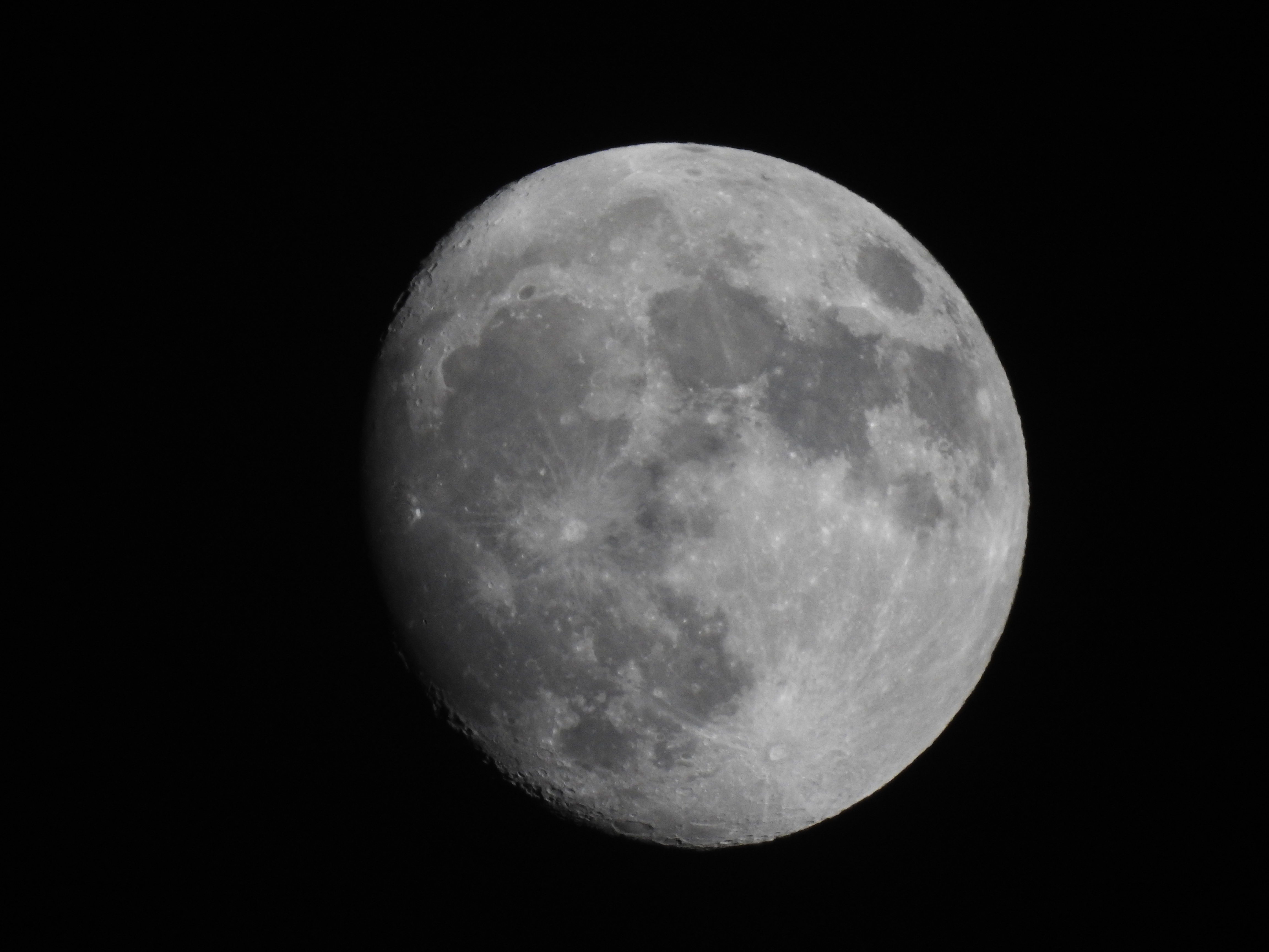 There are two supermoons in January 2018 (7 photos