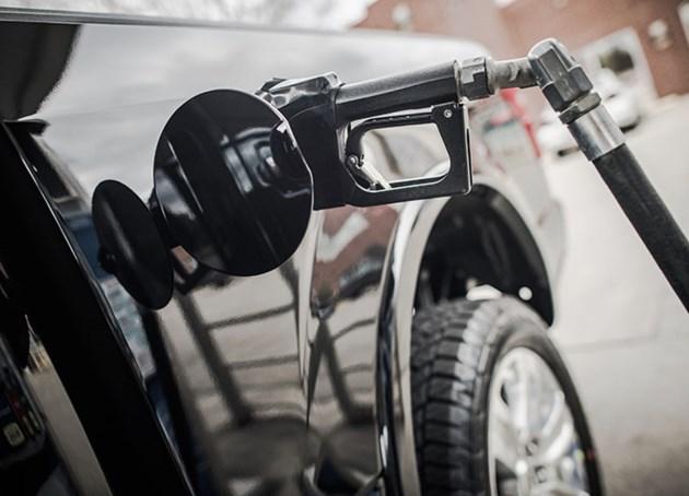car-refueling-gas-prices-PLMPJAU