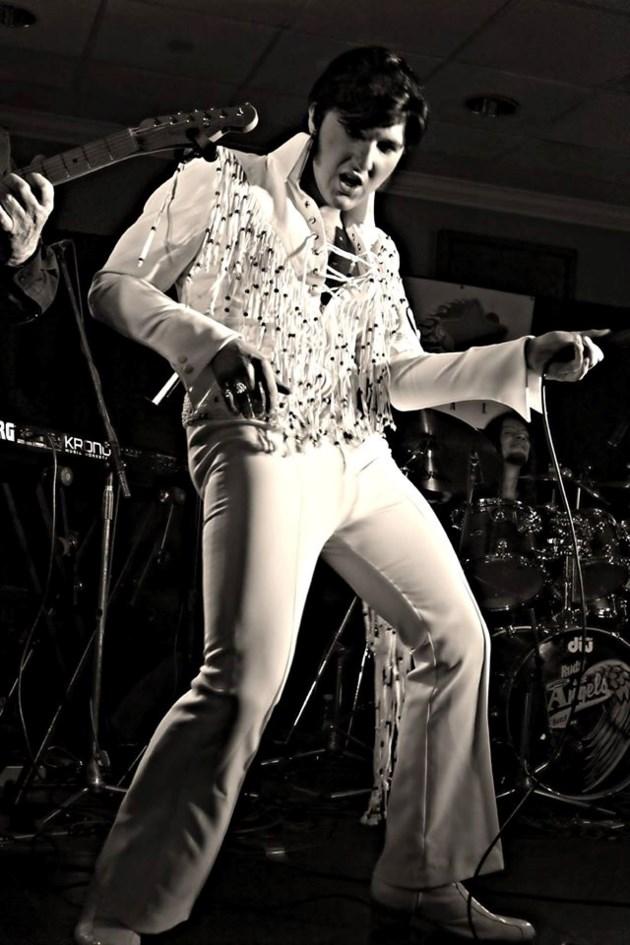 100918_BrysonFuller_Elvis