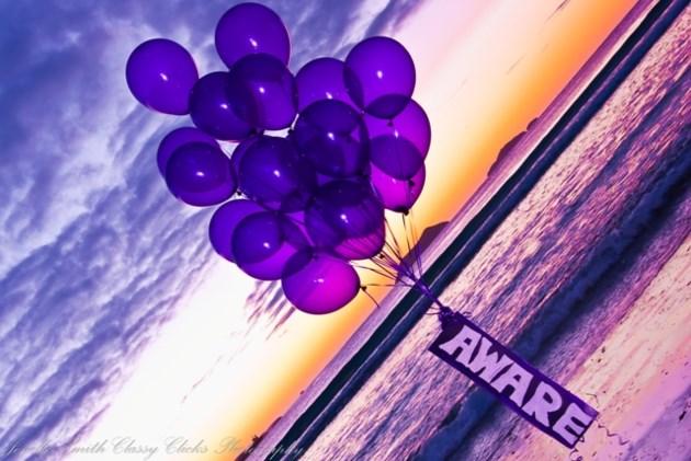 280218_wear-purple
