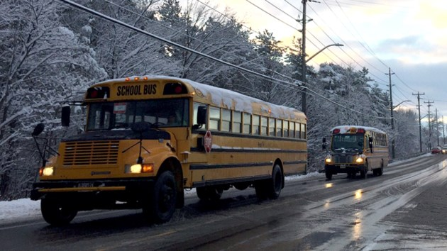 070217_school-bus-in-winter