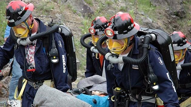 110215_Mine_rescue4