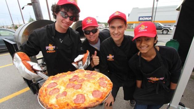 180814_wood_burning_pizza