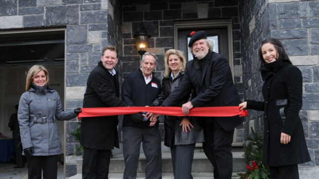 181113_dalron_home_ribboncutting