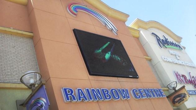 210514_rainbow_garage