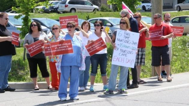 020714_nurse_protest660