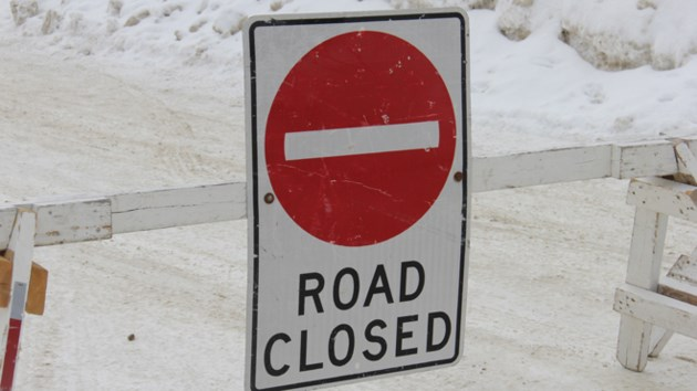 road-closed-sign-winter-turl-2016