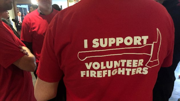 ae92df64 260417_DM_fireplannooooo. Some residents showed up to Wednesday's city  council meeting decked out in T-shirts in support of volunteer firefighters.
