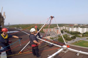 <b>This is pretty cool: Rope training with Sudbury firefighters (video)</b>