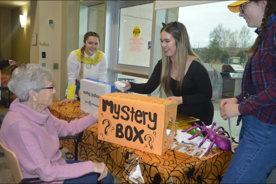 Collège Notre-Dame students spent some time on Halloween with Pioneer Manor residents. (Supplied)