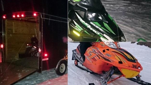 091018_trailer_snowmobiles