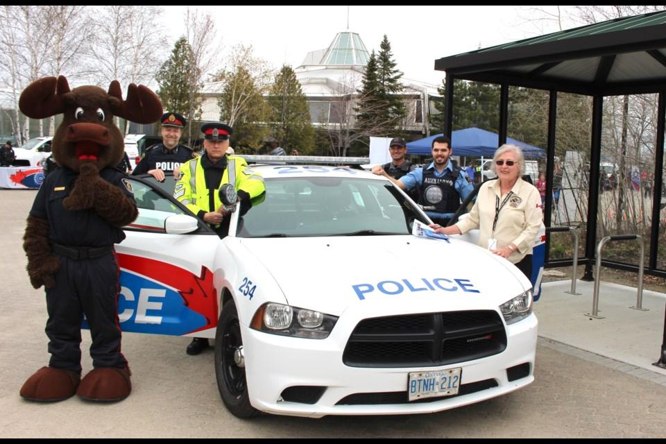 (From left) Inspector Mooseau ,Insp. John Somerset, Sgt. Tim Burtt, Cst. Steve Katulka, Auxiliary officer Justin Leblond, Citizens on Patrol member Rosemary Frappier. (Matt Durnan/Sudbury.com)