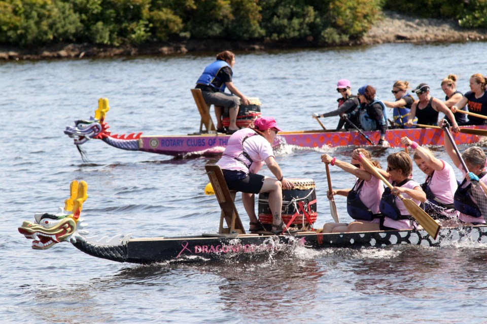 The Dragons of Hope in action at the 19th annual Dragon Boat Festival. (Michael Charlebois, tbnewswatch.com)