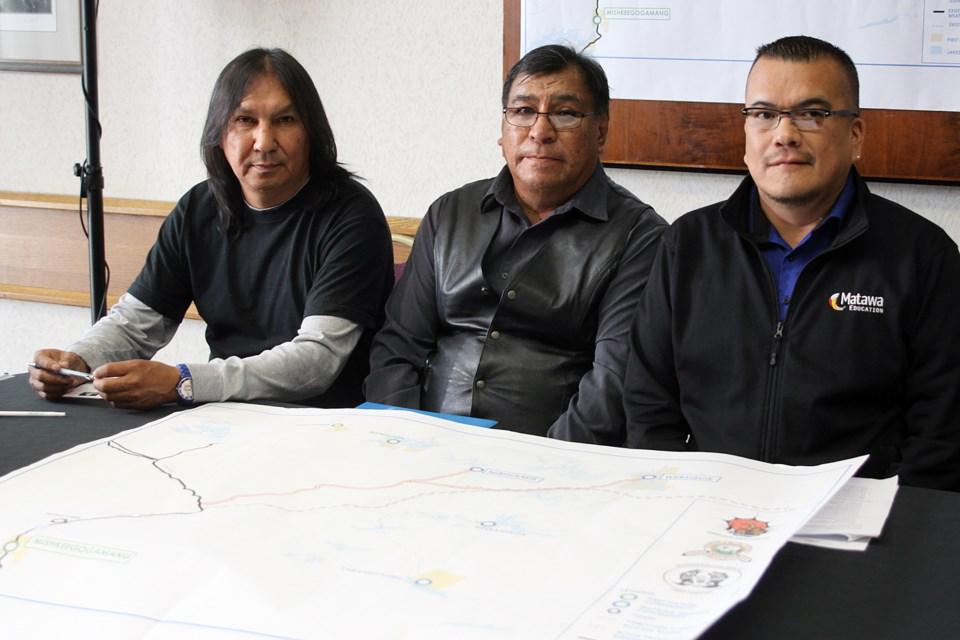 Mishkeegogamang Chief David Masakeyash, Webequie First Nation Chief Cornelius Wabasse and Nibinamik First Nation Chief Johnny Yellowhead. (Matt Vis, tbnewswatch.com)