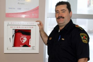 Paramedics credit Complex lifeguards with saving man's life