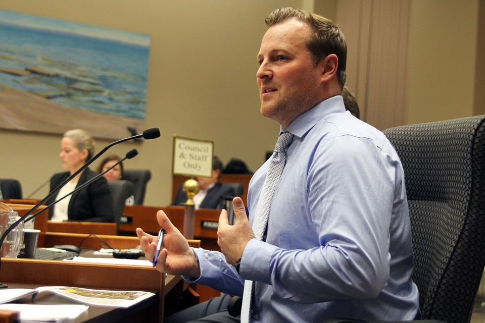 Ministry of Transportation spokesman Beau Little answers questions about detours on Highway 61 during the next construction season at the Thunder Bay city council meeting on Monday, November 27, 2017. (Matt Vis, tbnewswatch.com)