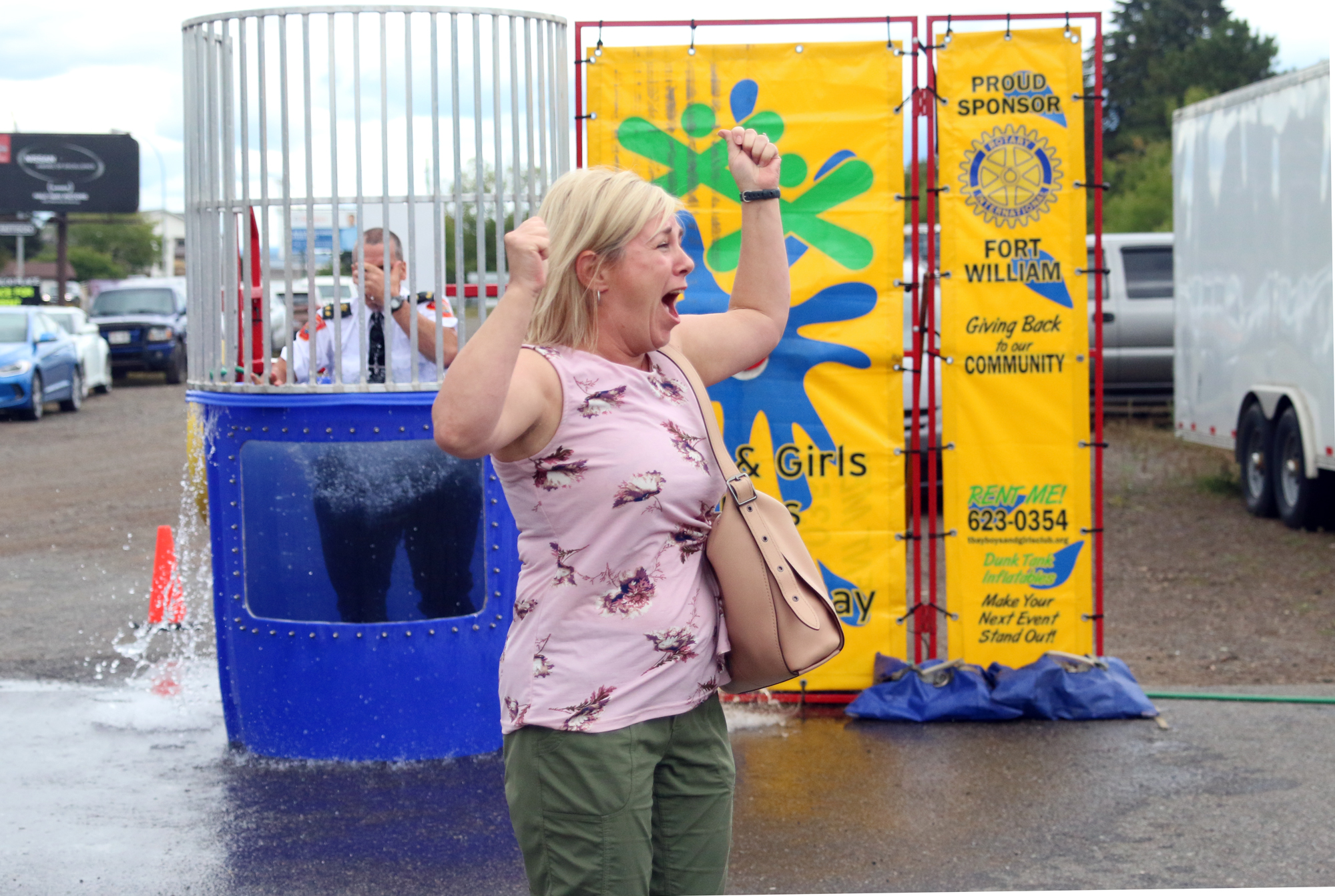 Police take the plunge in support of Special Olympics (11 photos)